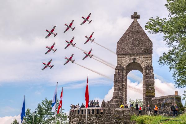 20150619-morgarten-swiss-air-force-patrouille-suisse-pc-7-team-super-puma-fa18-hornet-display-141-chris-berger-photography-blog
