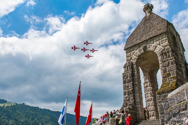 20150619-morgarten-swiss-air-force-patrouille-suisse-pc-7-team-super-puma-fa18-hornet-display-170-chris-berger-photography-blog