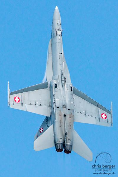 20150821-dittinger-flugtage-dittingen-swiss-hornet-display-team-breitling-wingwalkers-112-chris-berger-photography-blog