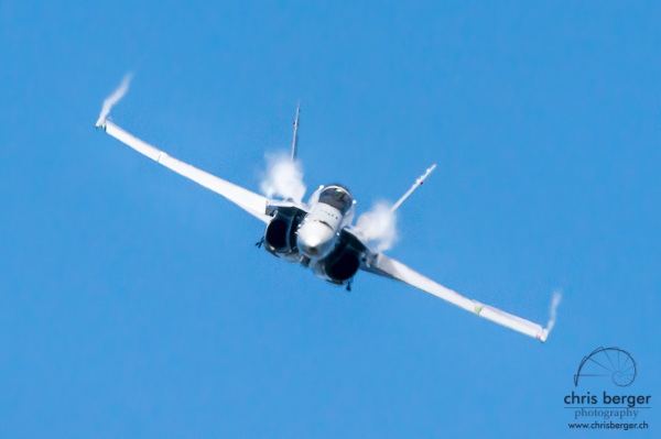 20150821-dittinger-flugtage-dittingen-swiss-hornet-display-team-breitling-wingwalkers-116-chris-berger-photography-blog