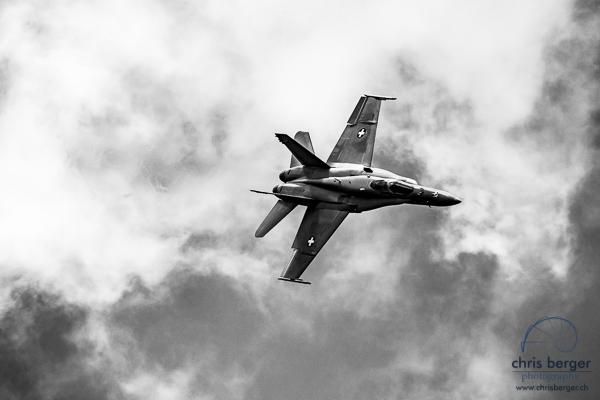 20150821-dittinger-flugtage-dittingen-swiss-hornet-display-team-breitling-wingwalkers-144-chris-berger-photography-blog