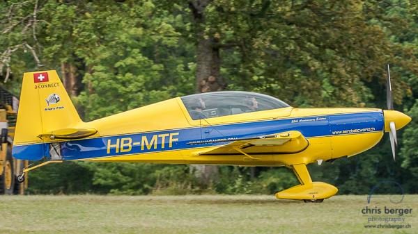 20150821-dittinger-flugtage-dittingen-swiss-hornet-display-team-breitling-wingwalkers-270-chris-berger-photography-blog
