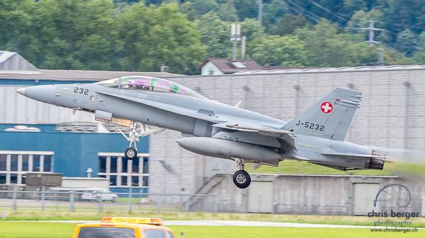 20150824-patrouille-suisse-emmen-radom-flugbetrieb-chris-berger-photography-blog (59)