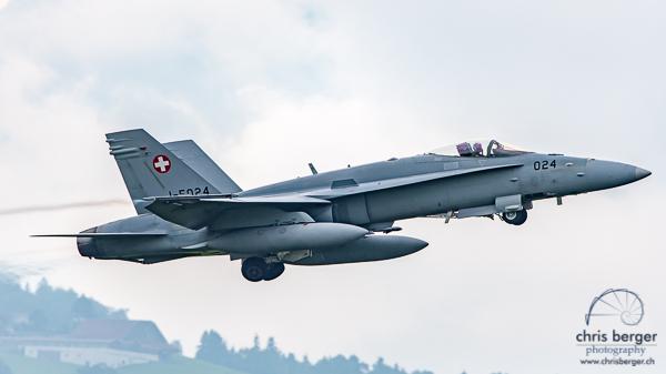 20150824-patrouille-suisse-emmen-radom-flugbetrieb-chris-berger-photography-blog (9)