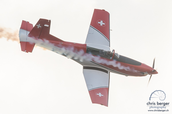 20160701-zueri-faescht-zuerich-fest-flugprogramm-pc-7-team-edelweiss-a-320-super-puma-display-team-patrulla-aspa-breitling-super-costellation-edelweiss-a320-125-chris-berger-photography-blog