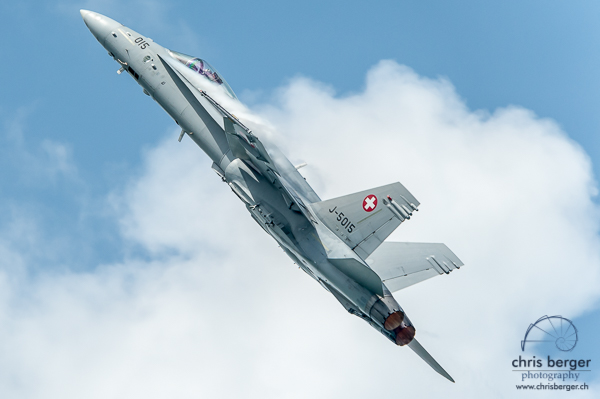 20160708-fa-18-swiss-hornet-hornet-display-team-wake-and-jam-murten-13-chris-berger-photography-blog